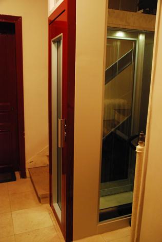 07 エレベーター.jpg