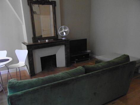 09 パリの部屋2.jpg